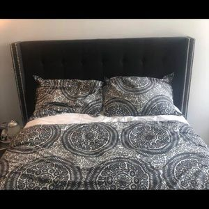 Pottery Barn Medallion Duvet Cover + Shams